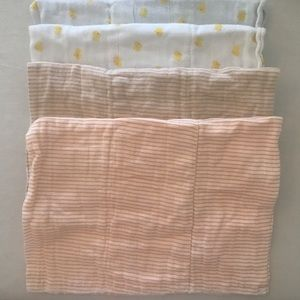 Burp cloths (4)